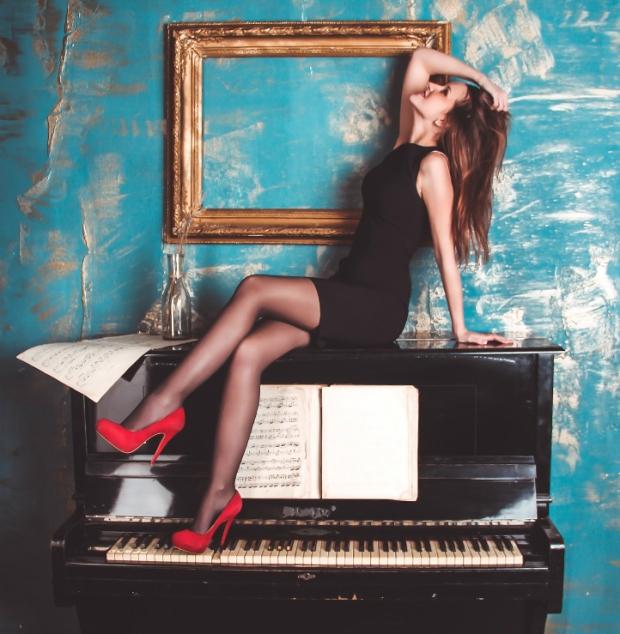 heels piano